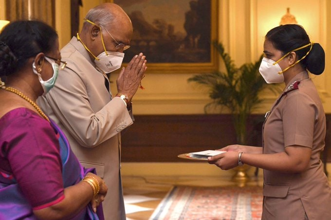 <p>President Ram Nath Kovind celebrated Raksha Bandhan with nurses</p>