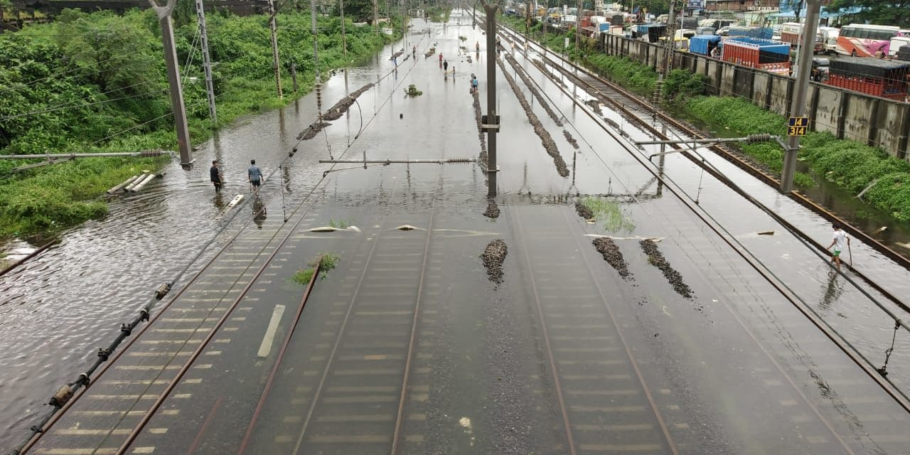 <p>Railway tracks remain inundated due to heavy rains</p>