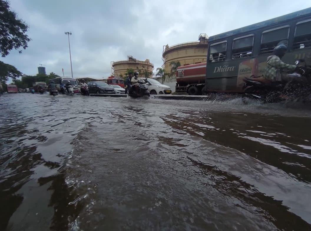<p>Sewri faces waterlogging due to heavy rains</p>