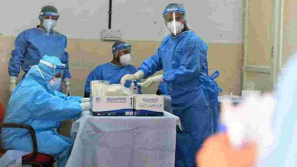 Live: Kejriwal reviews Covid-19 situation in Delhi, decides to ban firecrackers
