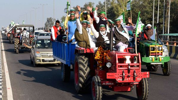 Farmers reject Centre's offer of early talks to resolve deadlock