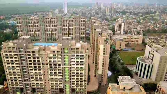 Acute labour shortage and monetary crises are cited as the reasons for the slowdoen in real estate sector(Bachchan Kumar/ Hindustan Times)