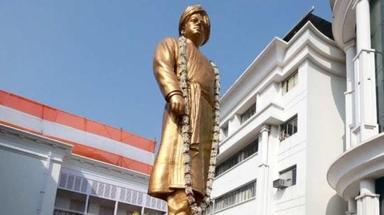 Swami Vivekanand statue at Ramakrishna Ashram in Kolkata.(ANI)