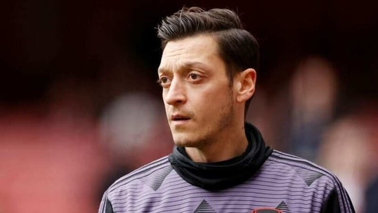 FILE PHOTO: Soccer Football - Premier League - Arsenal v West Ham United - Emirates Stadium, London, Britain - March 7, 2020 Arsenal's Mesut Ozil during the warm up before the match Action Images via Reuters/John Sibley/File Photo(Action Images via Reuters)