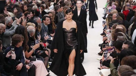 The Fédération de la Haute Couture et de la Mode has told luxury houses they won't be allowed to invite guests this season, after instruction by police.(Associated Press)