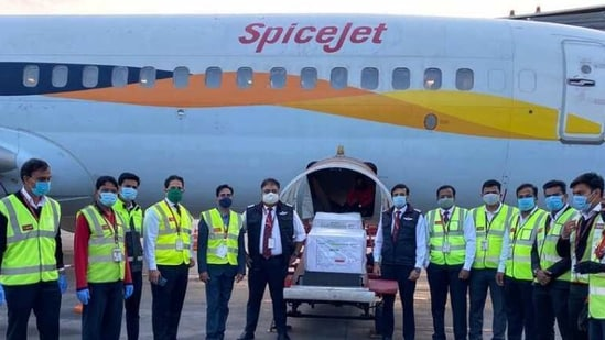 Spicejet flight with India's first batch of Covid-19 vaccines (twitter.com/HardeepSPuri)