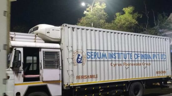 Covishield being brought to Pune Airport (Image Credit: twitter.com/aaipuneairport)