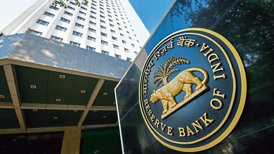 Operation Twist is a way employed by the central bank to manage yields in the market.(Mint Photo)