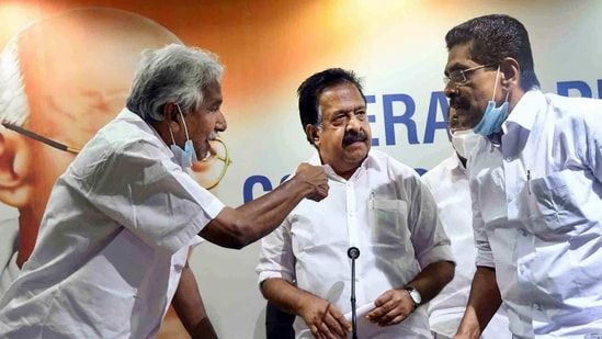 Thiruvananthapuram: Former chief minister Oommen Chandy, Opposition leader Ramesh Chennithala and KPCC President Mullapally Ramachandran during a press meet after the Kerala local body elections in Thiruvananthapuram, Wednesday, Dec. 16, 2020. (PTI Photo) (PTI16-12-2020_000273B)(PTI)