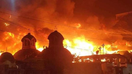 """""""The reason for the fire is not known. The firemen are fighting it tooth and nail and hopefully, it will soon be under control,"""" a senior officer of the Kolkata Police was quoted as saying by news agency PTI.(Sourced Image)"""
