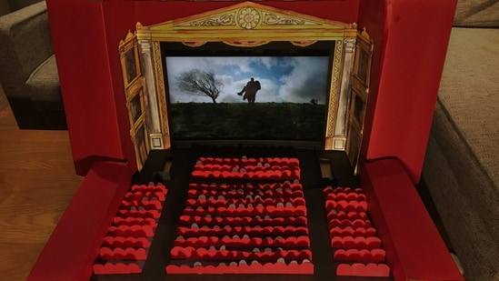 The image shows the miniature movie theater,(Twitter/@kingsley_tom)