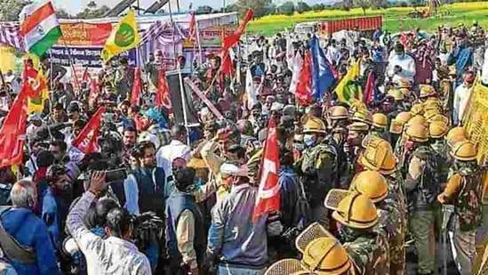 Delhi's borders with Haryana and Uttar Pradesh continued to remain closed at several points