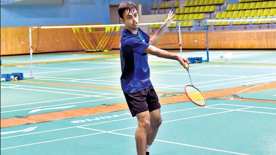 In the Badminton World Federation (BWF) rankings released on Tuesday, Kapur secured the world no. 2 ranking in the under-19 boys' single category. (HT PHOTO)