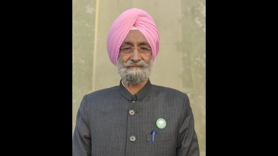 Bhupinder Singh Mann, the Bharti Kisan Union national president adn All India Kisan Coordination Committee chairman, has recused himself from the Supreme Court-appointed committee. He was the only farmer representative on the panel. (HT file photo)