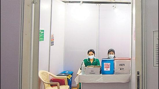 The jumbo care facility at Bandra-Kurla Complex is one of the vaccine centres in Mumbai. (Pratik Chorge/HT)
