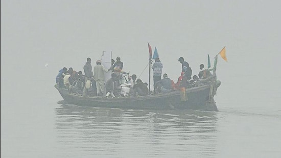 Ganga river in Patna.There is unlikely to be any respite from the cold weather as meteorological conditions will remain unchanged for the next two days. (HT file photo)