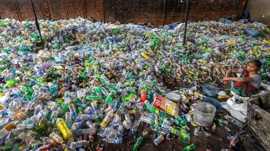EPR (Under Plastic Waste Management Rules 2016) puts the onus on the manufacturers for the treatment, recycling, reuse or disposal of products after a consumer has used and disposed them.(PTI)