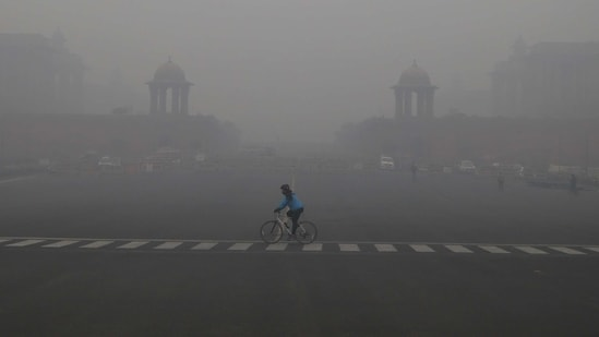 Low wind speed is not allowing dispersal of pollutants in the air in Delhi NCR.