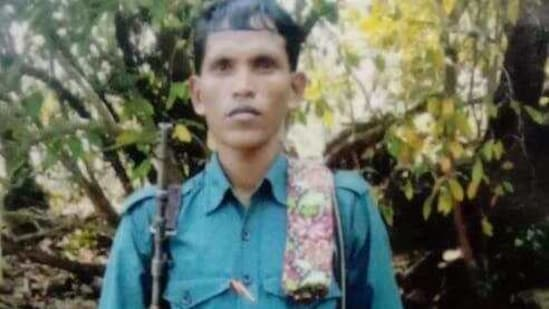 When the police reached the jungles, the Maoists started firing and an encounter began. After firing stopped, the police found the body of a Maoist who was later identified as Saybo alias Ranu. (HT PHOTO).