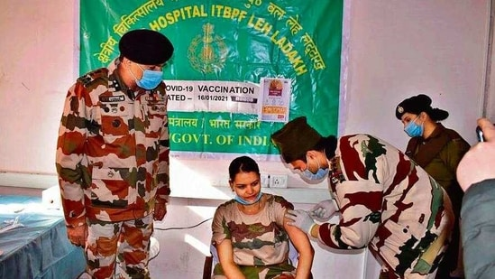 As many as 20 ITBP personnel were vaccinated Saturday( HT photo)