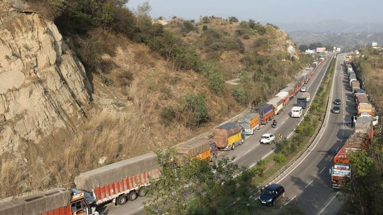 The ministry is hopeful that with such pace it should be able to cross construction target of 11,000 km by March 31.(PTI)
