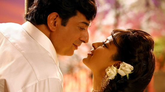 Arvind Swamy and Kangana Ranaut in a still from Thalaivi.