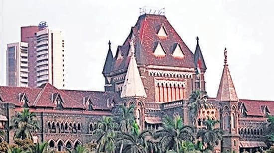The court held that as the two had not indulged in obscene acts, nor had they abetted the same, mere presence in the place could not be considered a crime. (HT Photo)