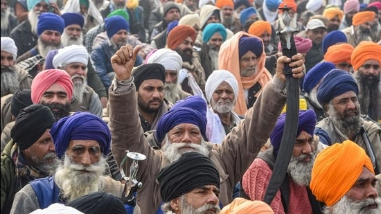 Farm unions have not responded to the government's offer to amend the laws, or to the Supreme Court's directive to cooperate with a committee meant to examine the issue in detail (PTI)