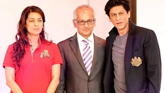 Shah Rukh Khan with Juhi Chawla and her husband Jay Mehta.