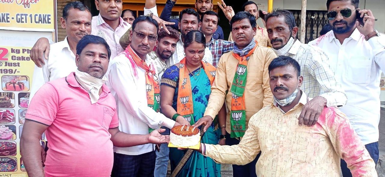 Maharashtra Panchayat Election Results 2021 Live: Shiv Sena leads with over  330 seats | Hindustan Times