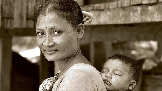 Given the fragile nature of social protection for these working women, all provision of maternity protection should be universally applicable to all working women regardless of the consistency or duration of work and independent of their current status of employment. ((SHUTTERSTOCK))