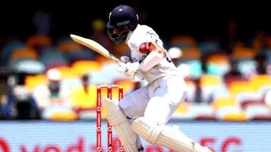 Cheteshwar Pujara takes body blows to lead India to win in Brisbane