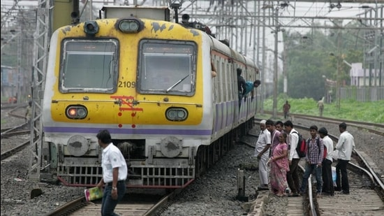While 1,116 people died and 878 others suffered injuries on the suburban railway lines last year, 2,691 people lost their lives in 2019. (Hindustan Times)