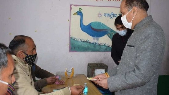 Himachal Pradesh chief minister Jairam Thakur casts his vote in Mandi in the first phase of panchayat elections on Sunday.(ANI Photo)