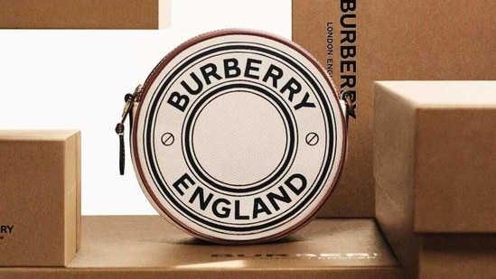 Burberry (Instagram)