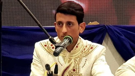 Aadil Manzoor Shah began singing when he was 14, has his YouTube channel(Facebook/@Aadil Manzoor Shah)