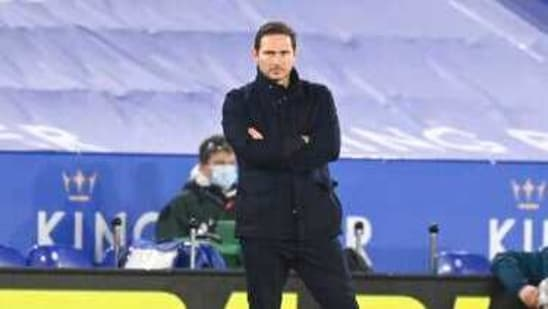 Photo of Under-pressure Lampard unsure if he'll keep his Chelsea job