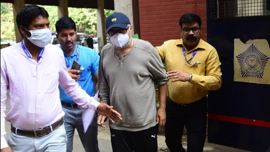 Partho Dasgupta (centre), the former chief executive officer of BARC India and key accused in the Television Rating Points (TRP) manipulation scam. (HT Photo)