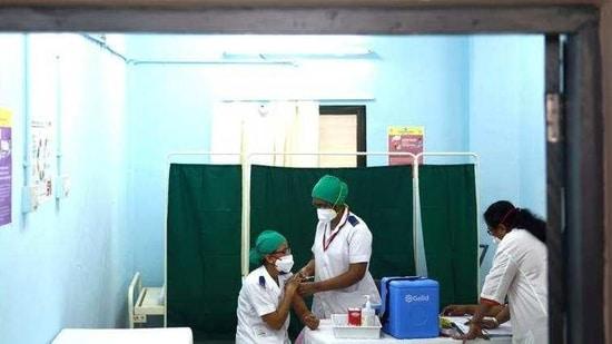 A Covid-19 vaccine shot being administered at Rajawadi Hospital in Mumbai on January 19. (Satish Bate/HT Photo)(HT_PRINT)