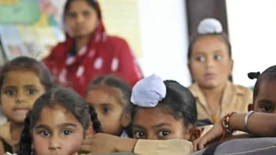 The Punjab School Education Department on Wednesday announced to restart primary classes at all schools from January 27.(Ht File)