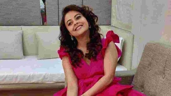 Devoleena Bhattacharjee entered Bigg Boss house as Eijaz Khan's proxy.(Twitter)