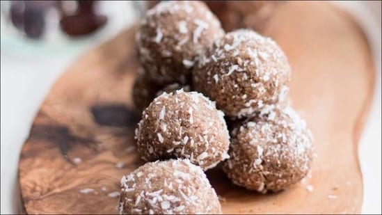 Recipe: Trying to cut out added sugars? Let date balls tame your sweet cravings(Instagram/chroniclesofanewbride)