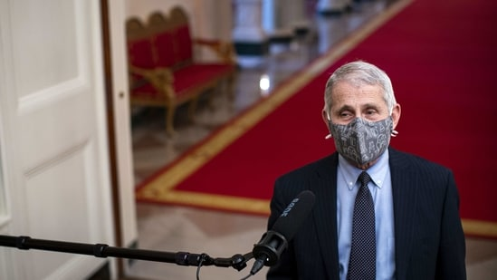 Anthony Fauci, director of the National Institute of Allergy and Infectious Diseases, wears a protective mask(Bloomberg File Photo)