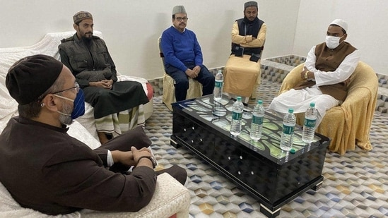 Siddiqui, who has emerged as one of the most vocal critics of the Mamata Banerjee-led Trinamool Congress, recently held a meeting with Asaduddin Owaisi, leader of the All India Majlis-e-Ittehad-ul-Muslimeen (AIMIM). (TWITTER).