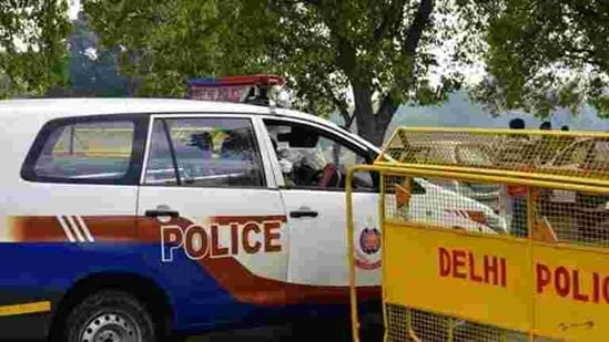 The police formed 10 teams of about 100 police personnel and began with probing the 35-odd employees of the showroom, other people who visited occasionally for work and local criminals.(File Photo. Representative image)