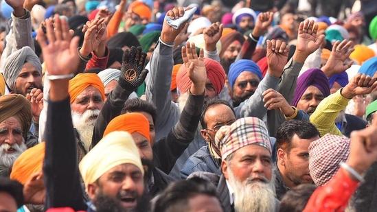 Farmers shouts slogans during the farmland bill at Gazipur border.(Photo by RajkRaj)