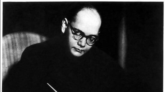 The massive sacrifice of hundreds of Secret Service officers of Netaji Subhas Chandra Bose's Indian National Army remains a secret and an enigma. On the 125th anniversary of Netaji's birth, I appeal to the nation to document and recognise these sacrifices (HT PHOTO)
