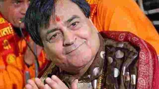 The legendary bhajan singer passed away at 12.15pm on Friday at Apollo Hospital in Delhi.(File photo)