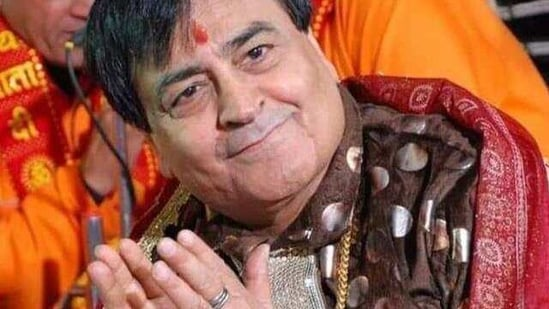 Bhajan singer Narendra Chanchal dies at 80, Daler Mehndi and Harbhajan Singh pay tributes | Hindustan Times