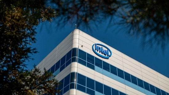 Intel shares fell 4.6% in early trading in New York.(Bloomberg)